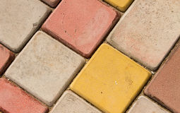 Tijolo de pavimentação colorido brilhante fotografia de stock royalty free