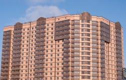 Tijolo novo do marrom da construção residencial fotos de stock royalty free