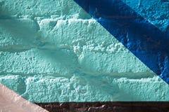 Tijolos azuis brancos abstratos da parede Imagem de Stock Royalty Free
