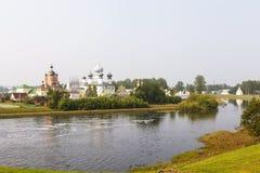 Tikhvin Mariański Tikhvin wniebowzięcia monaster Widok od Fishevoy gór Rosja fotografia stock