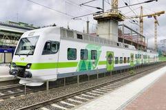 TIKKURILA,芬兰6月-27 :现代passangers火车 库存照片