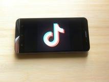 TikTok app stock afbeeldingen
