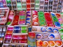 Till salu armringar, Bhimashankar Arkivfoto