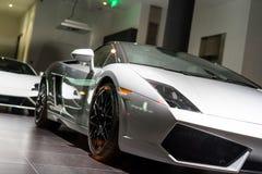 Till salu bilar royaltyfria bilder
