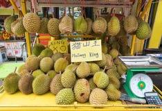 Till salu Durians, Malaysia Royaltyfri Fotografi