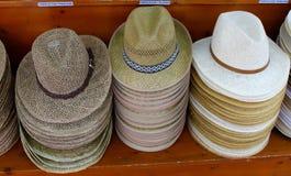 Till salu hattar Arkivfoton