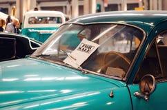 Till salu klassisk bil royaltyfri foto