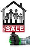 Till salu - modell House med en familj Arkivfoton