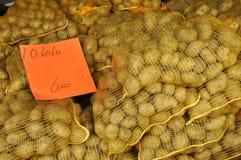 Till salu potatisar Royaltyfri Bild