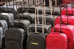 Till salu resväskor Royaltyfri Foto