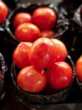 Till salu tomater Arkivbilder
