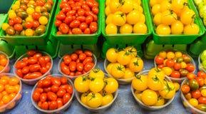 Till salu tomater royaltyfria bilder