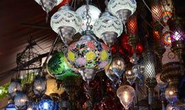 Till salu turkiska Glass lampor Royaltyfri Foto