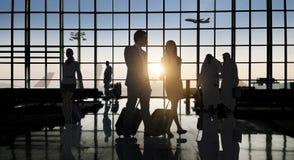 Tillbaka begrepp för passagerare för flygplats för Litaffärsfolk resande fotografering för bildbyråer