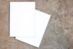 tillbaka blank främre tidskriftsida Royaltyfria Bilder