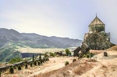 Tillbaka fasad av kloster Gregory illuminationsenheten i den armeniska byn av Haghpat Arkivfoto