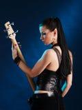 tillbaka gitarrist arkivbilder