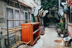 Tillbaka gränd på byn för Lamma ö i Hong Kong Royaltyfria Bilder