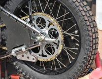 Tillbaka gummihjul av en speedwaycykel Royaltyfri Foto