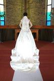 tillbaka klänningsiktsbröllop Royaltyfri Bild