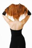 tillbaka lyftt röd kvinna för hår nakenstudie Fotografering för Bildbyråer