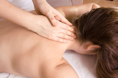 tillbaka massage arkivfoto