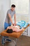 tillbaka massage royaltyfri foto