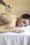 tillbaka massageolja Royaltyfria Bilder