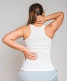 tillbaka massera smärtar kvinnan Royaltyfri Bild