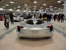 Tillbaka profil av den Chevy Concept bilen stingrockan på skärm Royaltyfri Bild