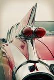 Tillbaka sikt av den gamla bilen som är retro Royaltyfria Bilder