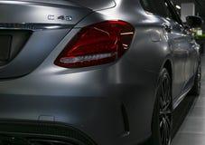 Tillbaka sikt av en Mercedes Benz C 43 2018 avgasrörsystem Bilyttersidadetaljer Royaltyfria Bilder