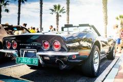 Tillbaka sikt av svarta Chevrolet Corvette C3 Arkivfoton