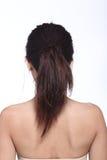 Tillbaka sikt för bakre sida av svart hår för asiatisk kvinna, studio som tänder w Arkivfoton