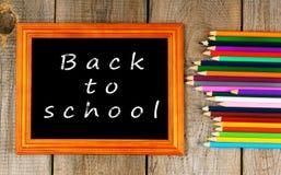 tillbaka skola till Ram och blyertspennor Royaltyfri Bild