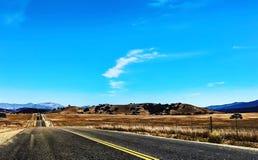 Tillbaka vägar i dalen Arkivbilder