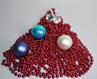 Tillbehör för att dekorera ett hus och en julgran för jul och nytt år arkivfoton