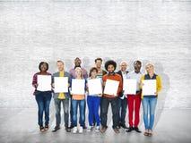 Tillfällig gladlynt etnicitetockupation Team Teamwork Togetherness Arkivfoton
