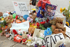 Tillfällig minnesmärke för Michael Brown i Ferguson MO Royaltyfri Bild