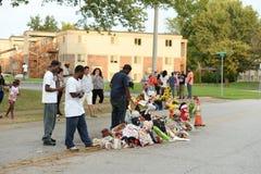 Tillfällig minnesmärke för Michael Brown i Ferguson MO Royaltyfria Bilder