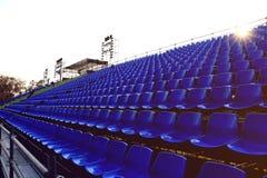 Tillfällig stadion för blå stol Arkivfoton