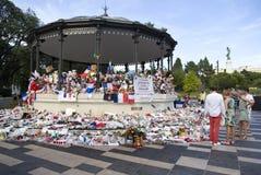 Tillfälliga minnesmärkear längs Promenade des Anglais i Nice Fotografering för Bildbyråer