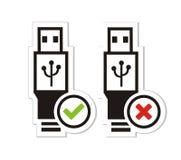 Tillgängliga och USB inte tillgängliga klistermärkear USB Arkivfoton