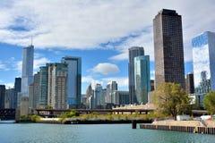 Tillträde av Chicago River från Michigan sjö- och stadssikt Arkivfoton