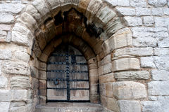 Tillträde till den Caernarfon slotten i Wales arkivbild