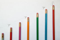 Tillväxtgraf av blyertspennor Arkivbild