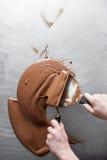 Tillverkning av chokladgodisar Fotografering för Bildbyråer