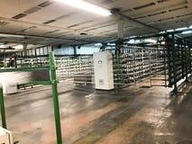 Tillverkning av glasull Tillverkning av syntetiska fibrer Royaltyfria Foton