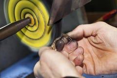 Tillverkning och reparation av smycken Royaltyfri Foto