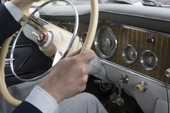 Timón del coche viejo Imágenes de archivo libres de regalías